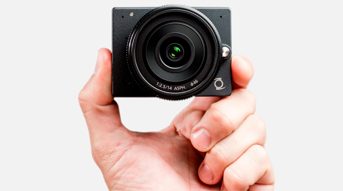 La plus petite caméra 4K MFT à optiques interchangeables du monde